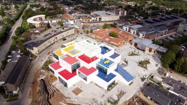 LEGO-house-bjarke-ingels-group-big-museum-billund-denmark-designboom-01